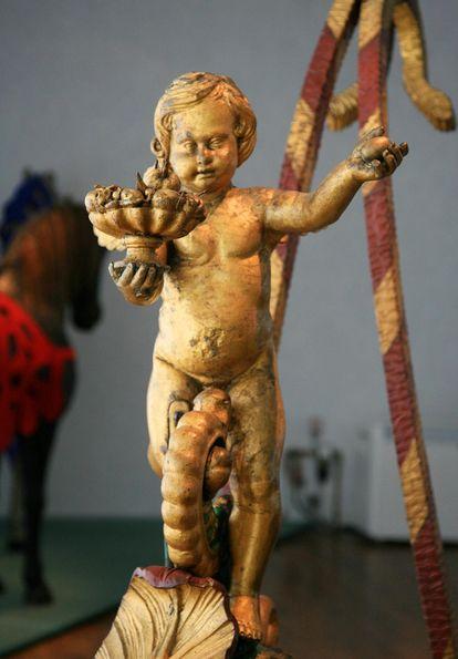 Detail eines Prunkschlittens in der Ausstellung von Schloss Urach
