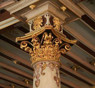 Kapitell im Goldenen Saal von Schloss Urach; Foto: Staatliche Schlösser und Gärten Baden-Württemberg, Janna Almeida