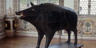 Reproduction of the famous wild boar in Urach Palace.