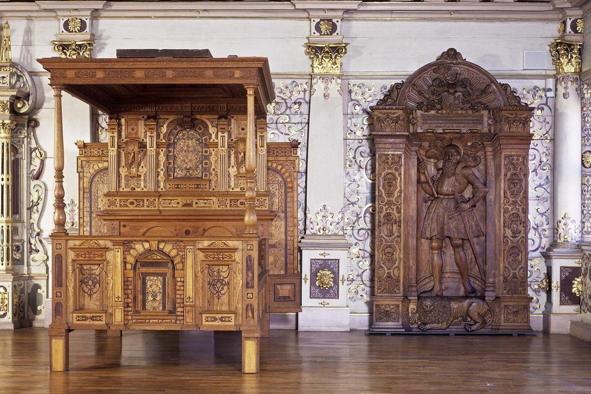 Renaissance-Prunkbett im Goldenen Saal von Schloss Urach