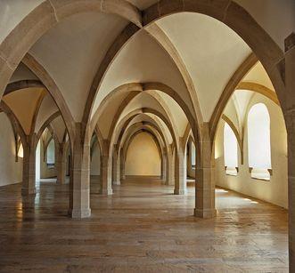 View of the hall and ribbed vault, Urach Palace. Image: Staatliche Schlösser und Gärten Baden-Württemberg, Augustin